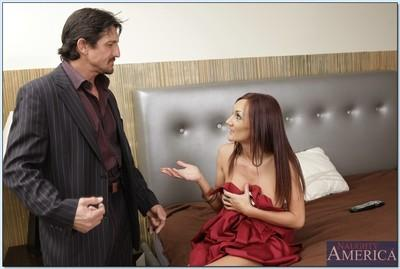 MILF wife Holli Heavens gets a meaty dick and fucks hardcore