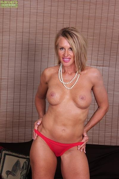 Clothed mature MILF Mason Vonne spreading pussy after lingerie removal