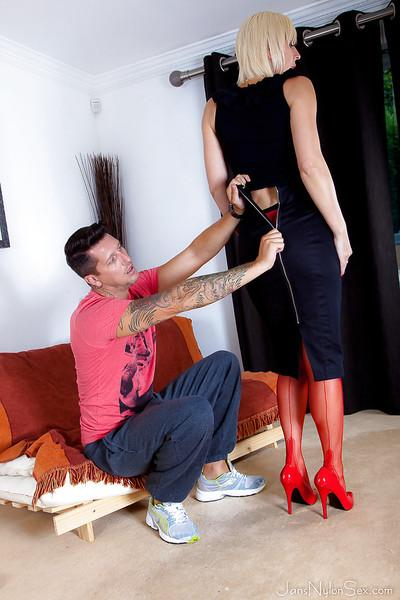 Aged blonde cougar Jan Burton instructs younger man in foot worship