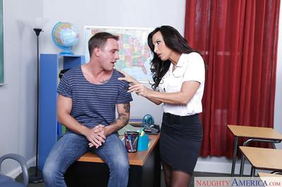 Chesty teacher Lezley Zen having her pussy ate out by student