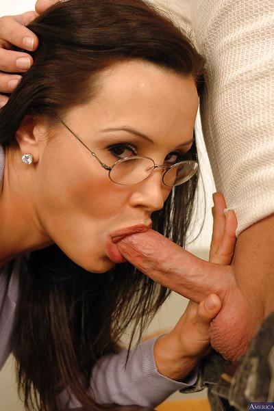 Mature teacher Lisa Ann has her face covered in sweet cumshot