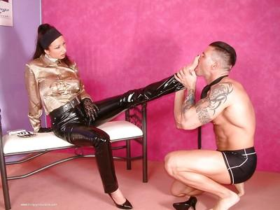 Mature femdom in latex leggings face sitting her manslave and getting fucked