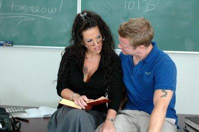 Mature teacher in glasses Anjelica Lauren fucking in fishnet stockings