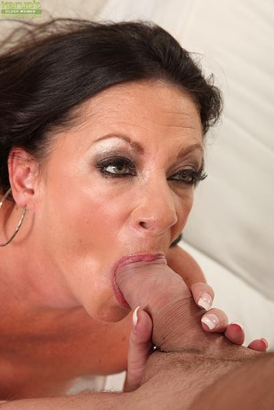 Big busted mom gives a fervent blowjob and gets fucked for tasty jizz