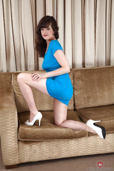 Leggy mature dame in high heels flashing escaped upskirt pubic hairs
