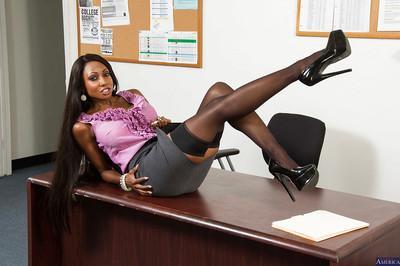 Mature ebony whore Diamond behaves like a cool sexy teacher