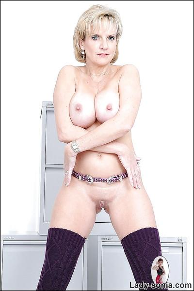 Gorgeous mature lady in cotton stockings exposing her fuckable body
