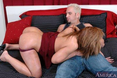 Glamorous latina mom Barrett Blade fucking fat cock