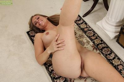 Kate Lynn spreading vagina and trying to masturbate gently
