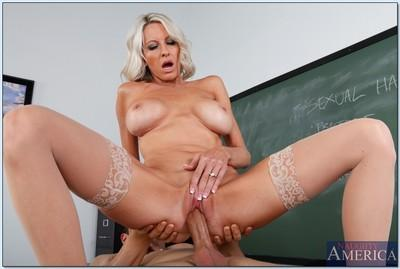 Mature teacher Emma Starr loves covering glasses with reality cumshot