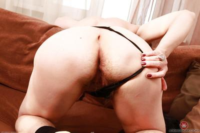 Glasses and nylon adorned mature woman Sofia exposing her granny pussy