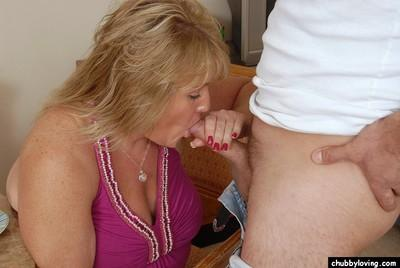 Fatty mature blonde Jenna is sucking this pretty small dick!