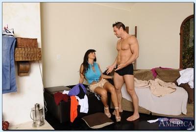 Mature slut Lisa Ann seduces her son