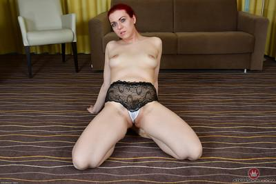 Aged Euro lady Corazon Del Angel showing off all natural boobs and beaver