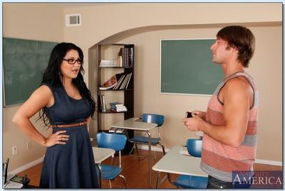 Curvy teacher in glasses Sophia Lomeli gets fucked hardcore by her student