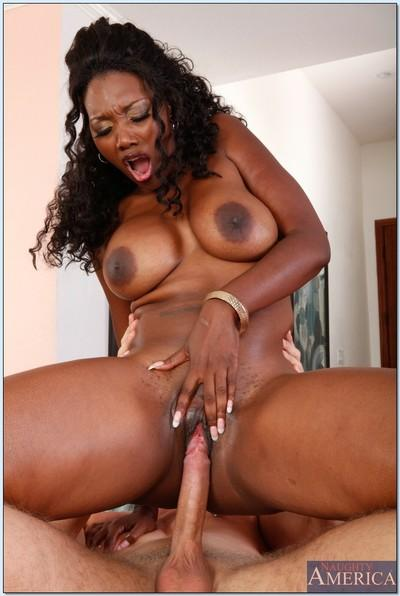 Mature african teacher Nyomi Banxxx gets her face washed with cum