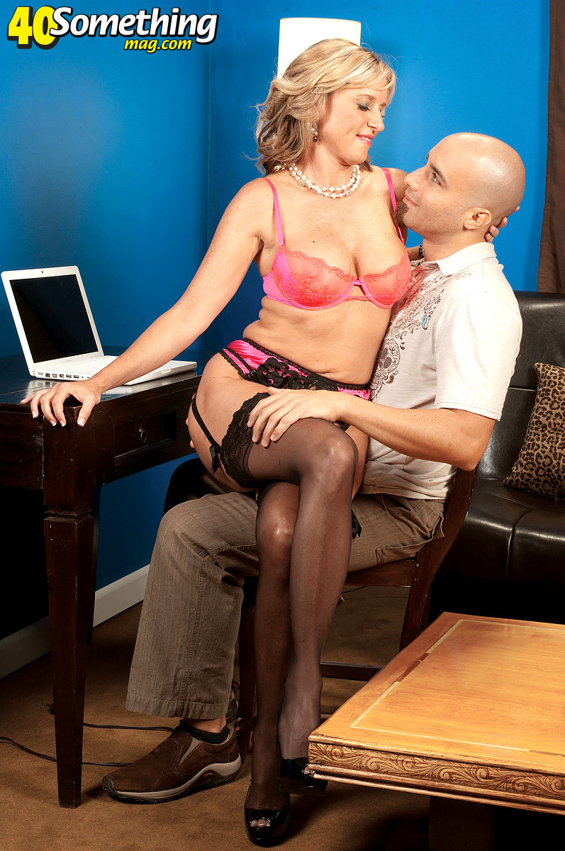 Hot milf jodi west is about to seduce a guy for his stiff cock
