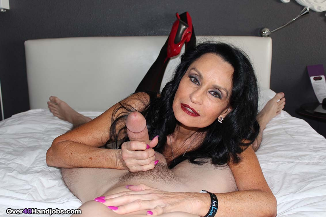 Busty granny rita daniels playing with stiff cock