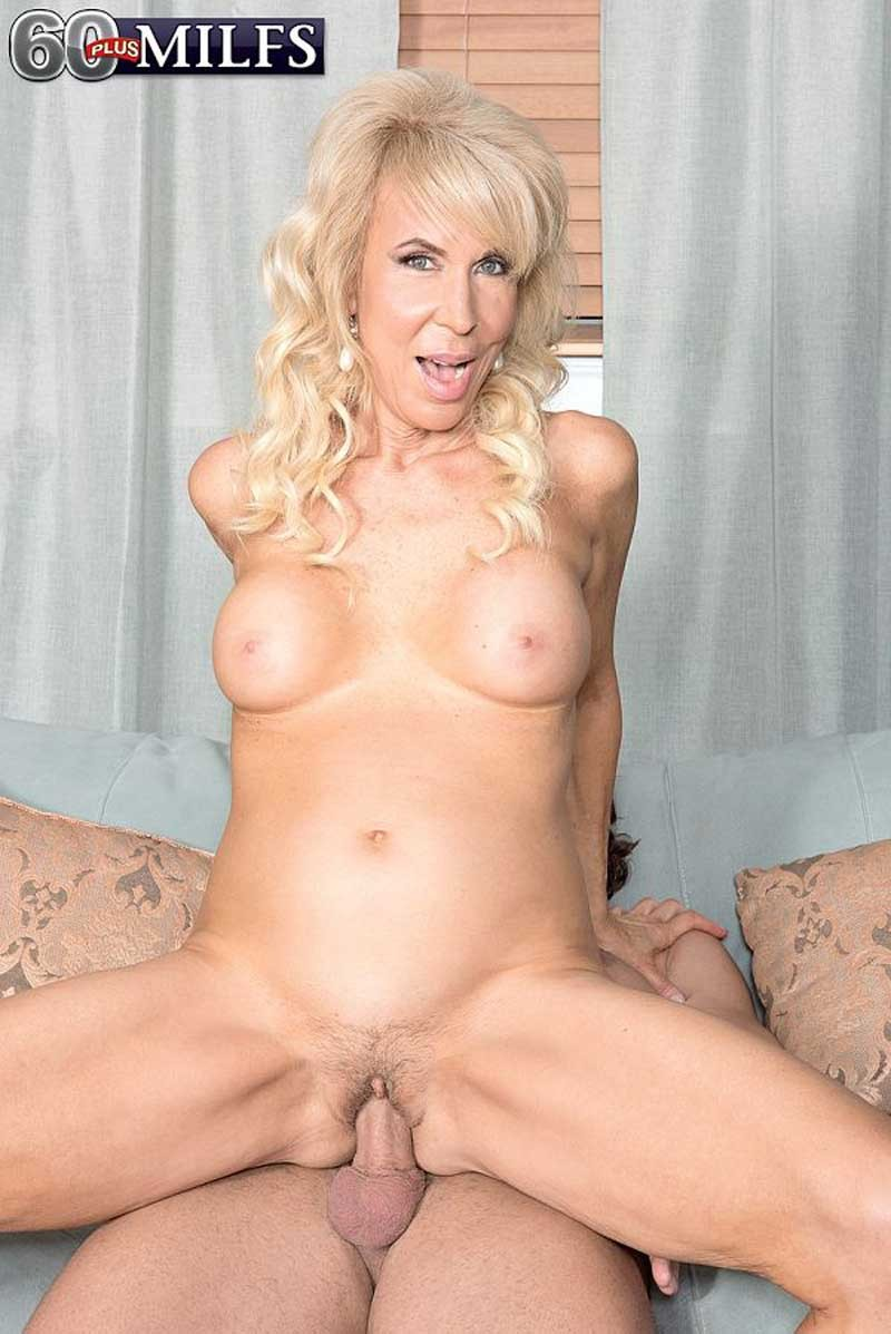 Sexy 60milf whore erica lauren doing a stiff dick