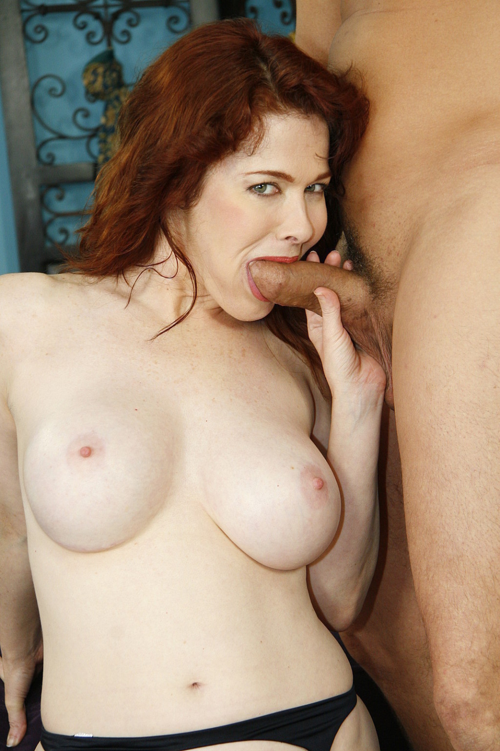 Cougar mae victoria is on the prowl