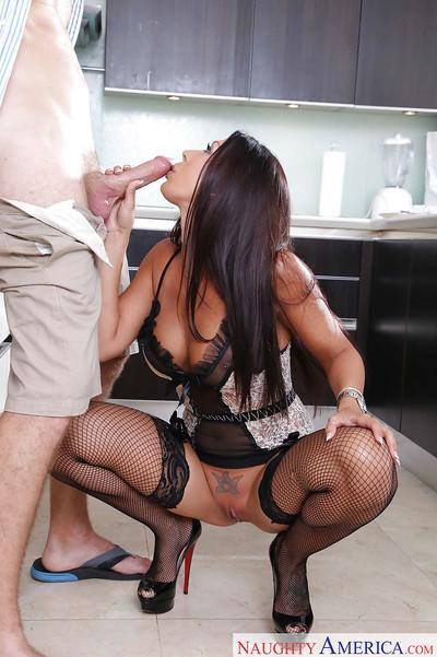 Sexy brunette housewife Rachel Starr taking big penis in slutty mouth