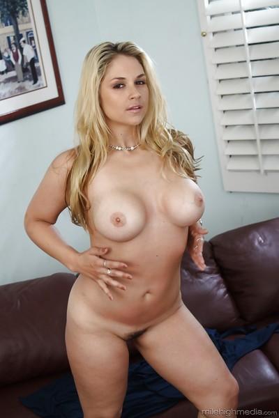 Chesty blonde MILF Sarah Vandella releasing huge knockers from dress
