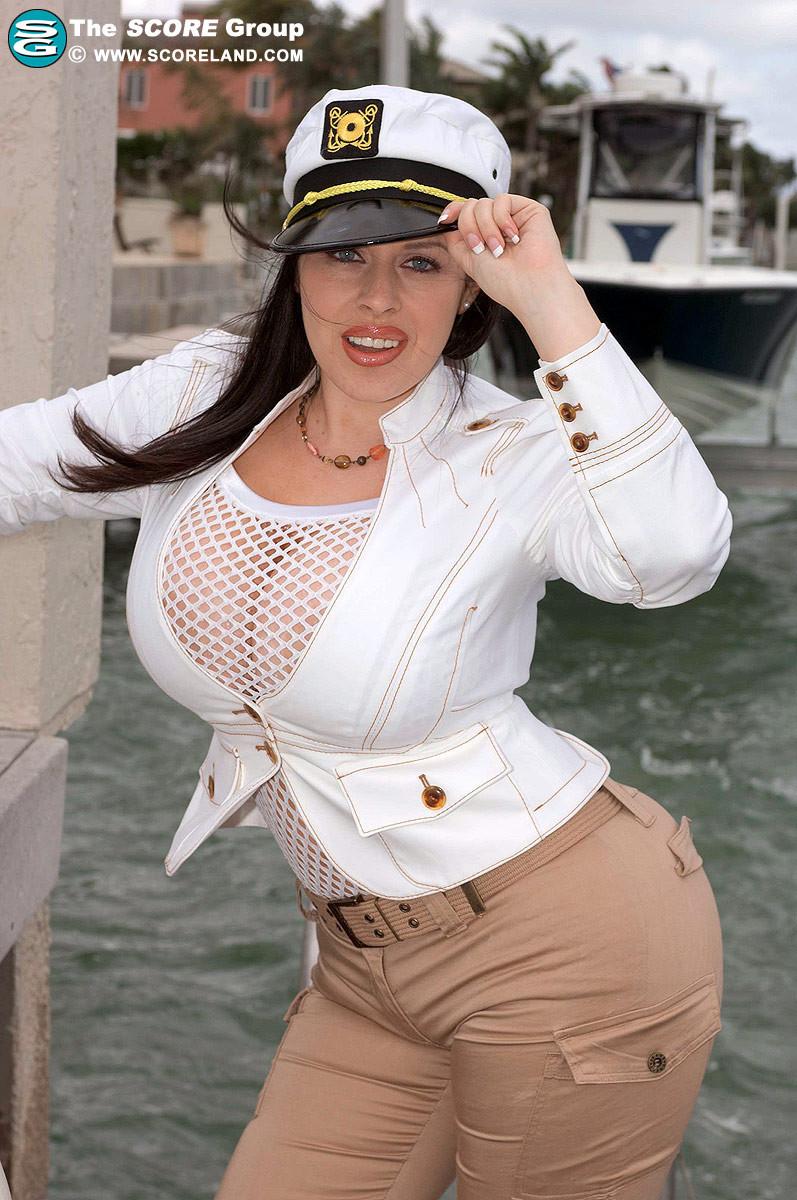 Curvy Women Pics