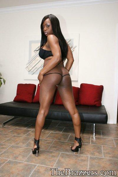 Ebony MILF babe Jada Fire stripping to show her sexy body and hot cunt