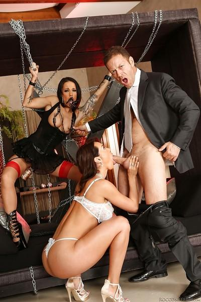 Fetish FFM 3some with pornstars Franceska Jaimes and Nikita Bellucci