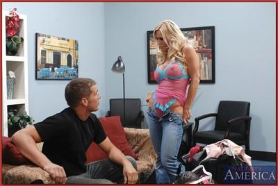 Sizzling MILF blonde with big tits Amber Lynn enjoys hardcore sex