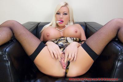 Masturbating lady Michelle Thorne is caught on camera while doing it