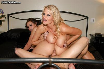 Awesome threesome scene features busty milf blondie Brooke Lee Adams