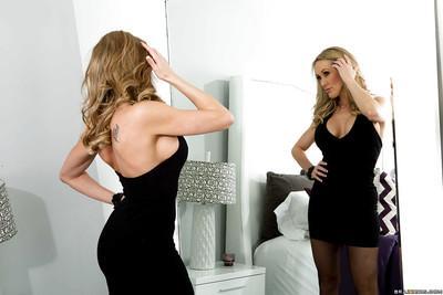 Big ass blonde milf babe Brandi masturbating her pussy untill squirt