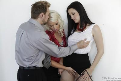 Kimberly Kane & Anikka Albrite are into threesome groupsex with a guy