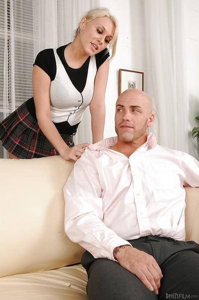 Kati Summers & Dee Siren have a fervent groupsex with a bald guy