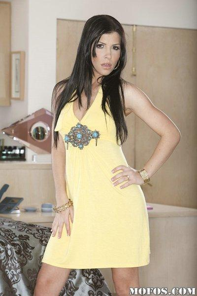 Amazing legs and sporty ass of milf Rebeca Linares are look sweet