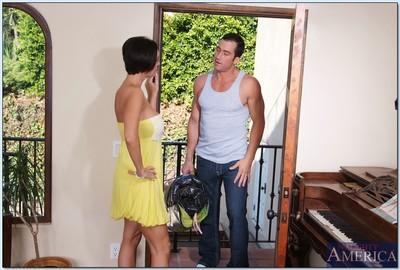 Ravishing MILF Dylan Ryder brings out huge boobs and butt for shafting