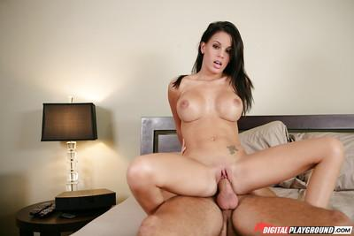 Appealing Latina panther Gabriella Fox gets drilled by strong dick