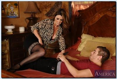 Top-heavy MILF Raquel DeVine gets her pussy licked and boned-up