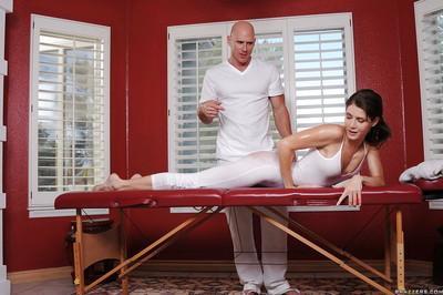 Steaming hot MILF Jenni Lee gets pounded hardcore after massage