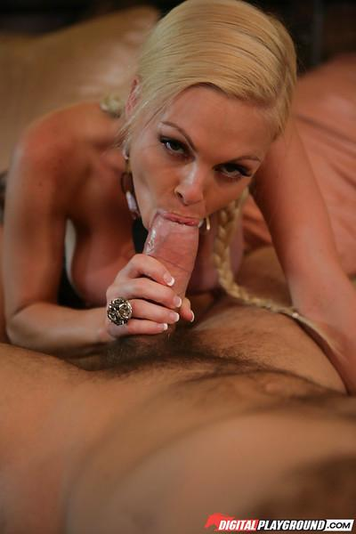 Shaved pussy of a beautiful milf pornstar Jesse Jane fucked hard