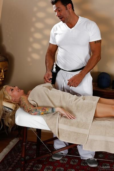 Hardcore milf Helly Hellfire is being fucked by her masseur!