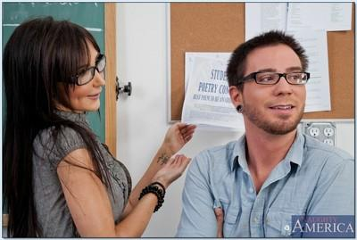 MILF teacher in glasses Diana Prince gives a head and gets fucked