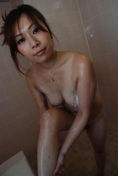 Fuckable asian MILF with nice ass Machiko Nishizaki taking shower