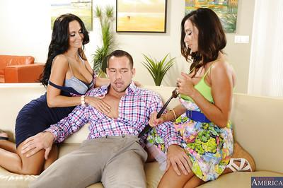 Two awesome brunette moms are giving a double blowjob to that cock