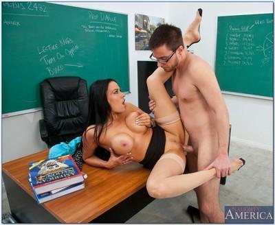 Brunette MILF teacher Vanilla DeVille wears stockings in reality porn.