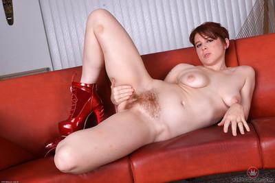 Redheaded mom Lily Cade spreading hairy vagina in high heels