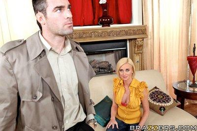 Bosomy MILF Camryn Cross gives a blowjob and gets heatedly screwed