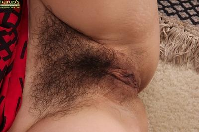 MILF Sharre Jones spreading for upskirts of her hairy naked cooter
