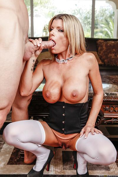Busty MILf Kristal Summers gets her pussy licked and fucked hardcore